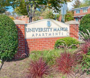 University Manor Entrance Sign