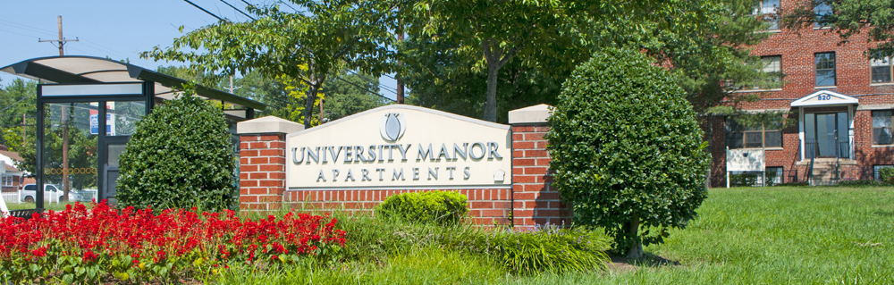 University Manor Sign