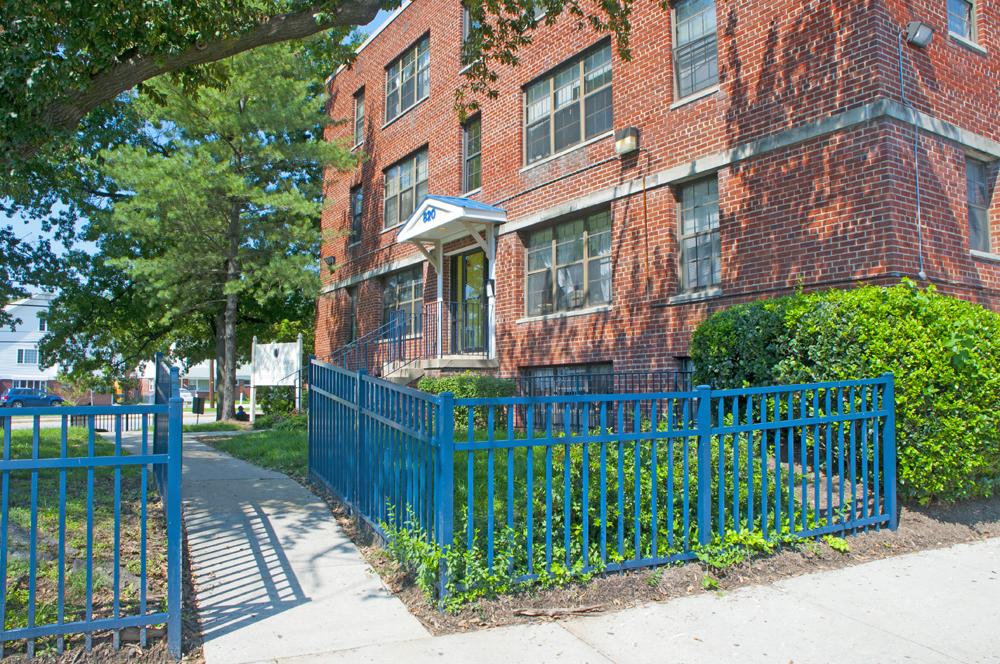 Photo Gallery - University Manor Apartments
